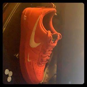 Nike AF1 LV8 Overbranding